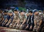King attends army iftar accompanied by Crown Prince Hussein