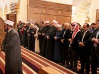 ولي العهد يشارك جموع المصلين أداء صلاة الجمعة في مسجد الملك الحسين