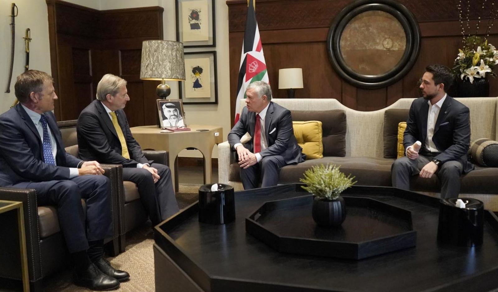 الملك يلتقي مفوض سياسة الجوار الأوروبية ومفاوضات التوسع في الاتحاد الأوروبي