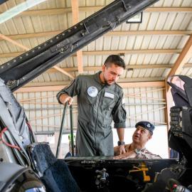 زيارة سمو الأمير الحسين بن عبدالله الثاني، ولي العهد، ألى قاعدة الشهيد موفق السلطي الجوية في منطقة الأزرق