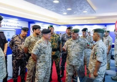 King visits Special Communications Commission