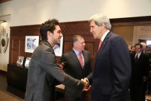 جلالة الملك عبدالله الثاني، يرافقه سمو الأمير الحسين، ولي العهد، يلتقي وزير الخارجية الأمريكي جون كيري