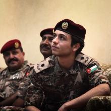 سمو الأمير الحسين بن عبدالله الثاني، ولي العهد، خلال دورة تدريبية عسكرية