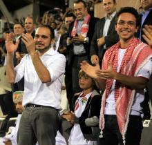 سمو الأمير الحسين بن عبدالله الثاني، ولي العهد يتابع مباراة كرة القدم بين المنتخب الوطني والمنتخب العُماني - 2013