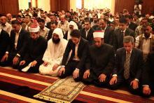 سمو الأمير الحسين بن عبدالله الثاني، ولي العهد، يشارك المصلين أداء صلاة الجمعة 2013