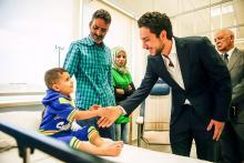 سمو الأمير الحسين بن عبدالله الثاني، ولي العهد، يزور المستفيدين من زراعة القواقع في مستشفى الملكة رانيا للأطفال -حزيران 2015