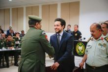 مندوباً عن جلالة الملك، رعى سمو الأمير الحسين بن عبدالله الثاني، ولي العهد حفل تخريج دورتي الدفاع الوطني 13 والحرب 22