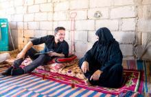 سمو الأمير الحسين بن عبدالله الثاني، ولي العهد، يتفقد في زيارة مفاجئة أحوال أسرة عفيفة في منطقة رحمة في وادي عربة بمحافظة العقبة