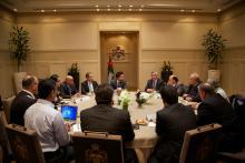"""سمو الأمير الحسين بن عبدالله الثاني، ولي العهد، يلتقي أعضاء لجنة مبادرة """"قصي""""- كانون الثاني- ٢٠١٤"""