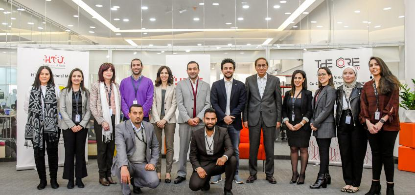 """ولي العهد يطلع على نشاطات """"مركز التميز للريادة والابتكار"""" التابع لجامعة الحسين التقنية"""