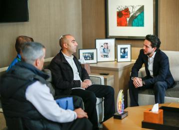 ولي العهد يستقبل المتسابقين الأردنيين من ذوي الاحتياجات الخاصة الفائزين في ماراثون بيروت